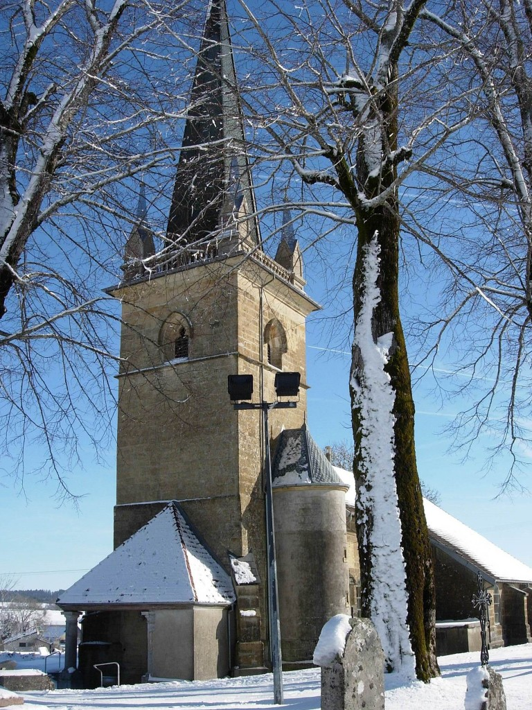 Eglise de Cuvier en hiver